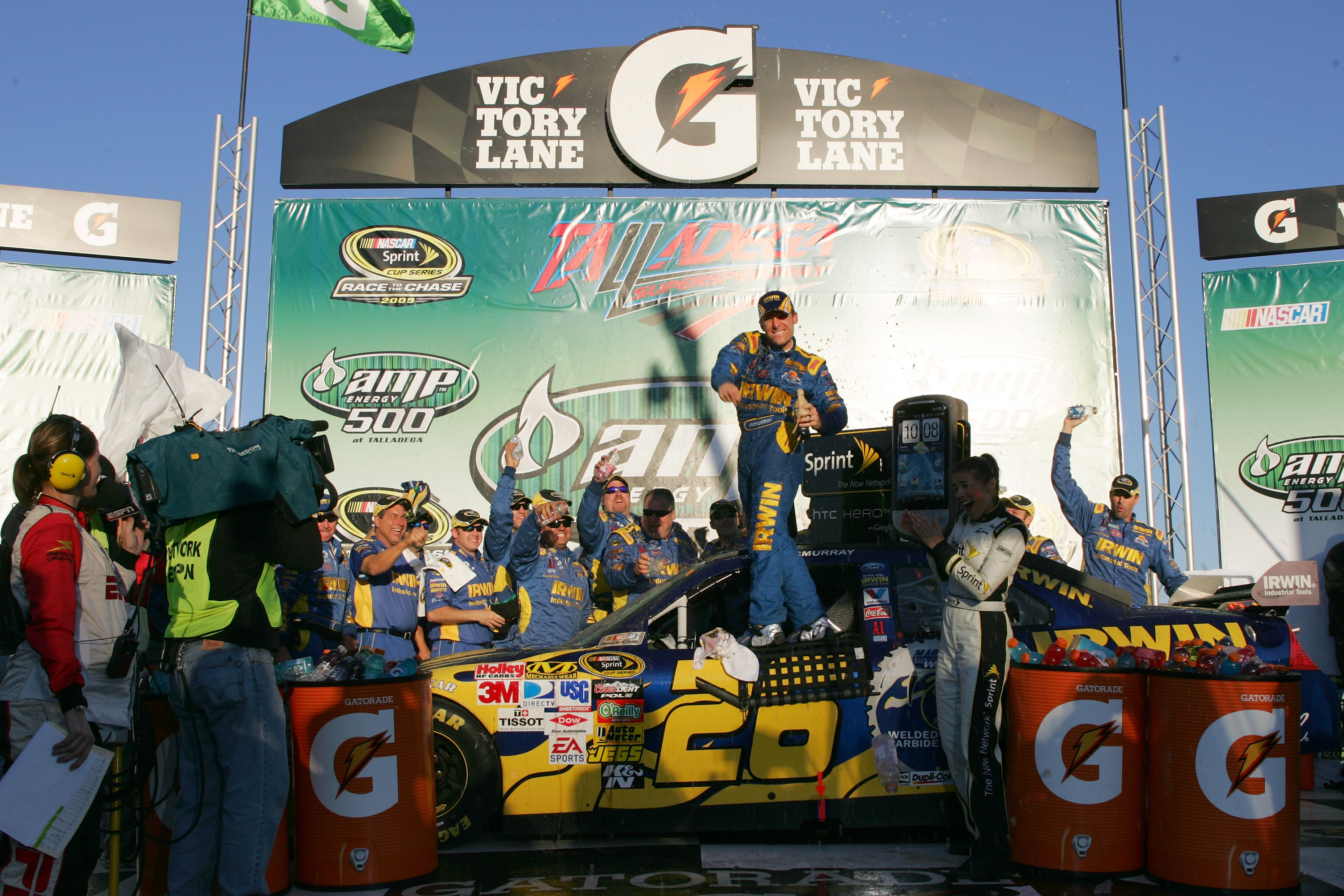McMurray wins 'bumping' Talladega race