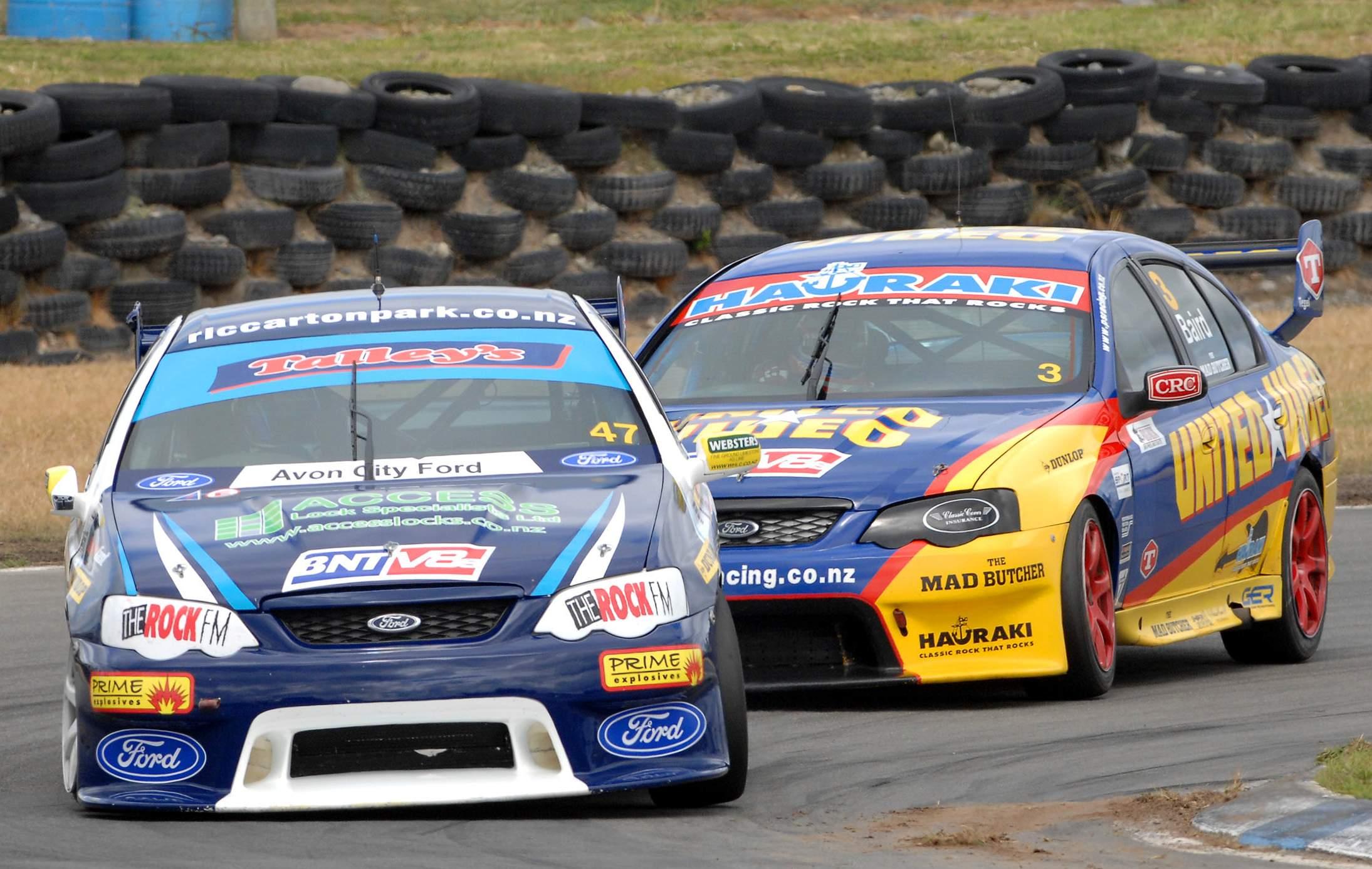 McIntyre builds on NZ V8 title lead