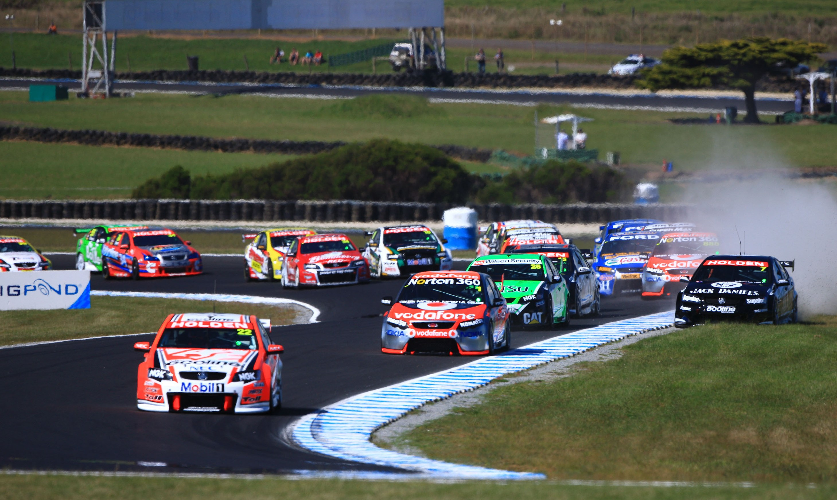 If there was a V8 Supercar Chase ...