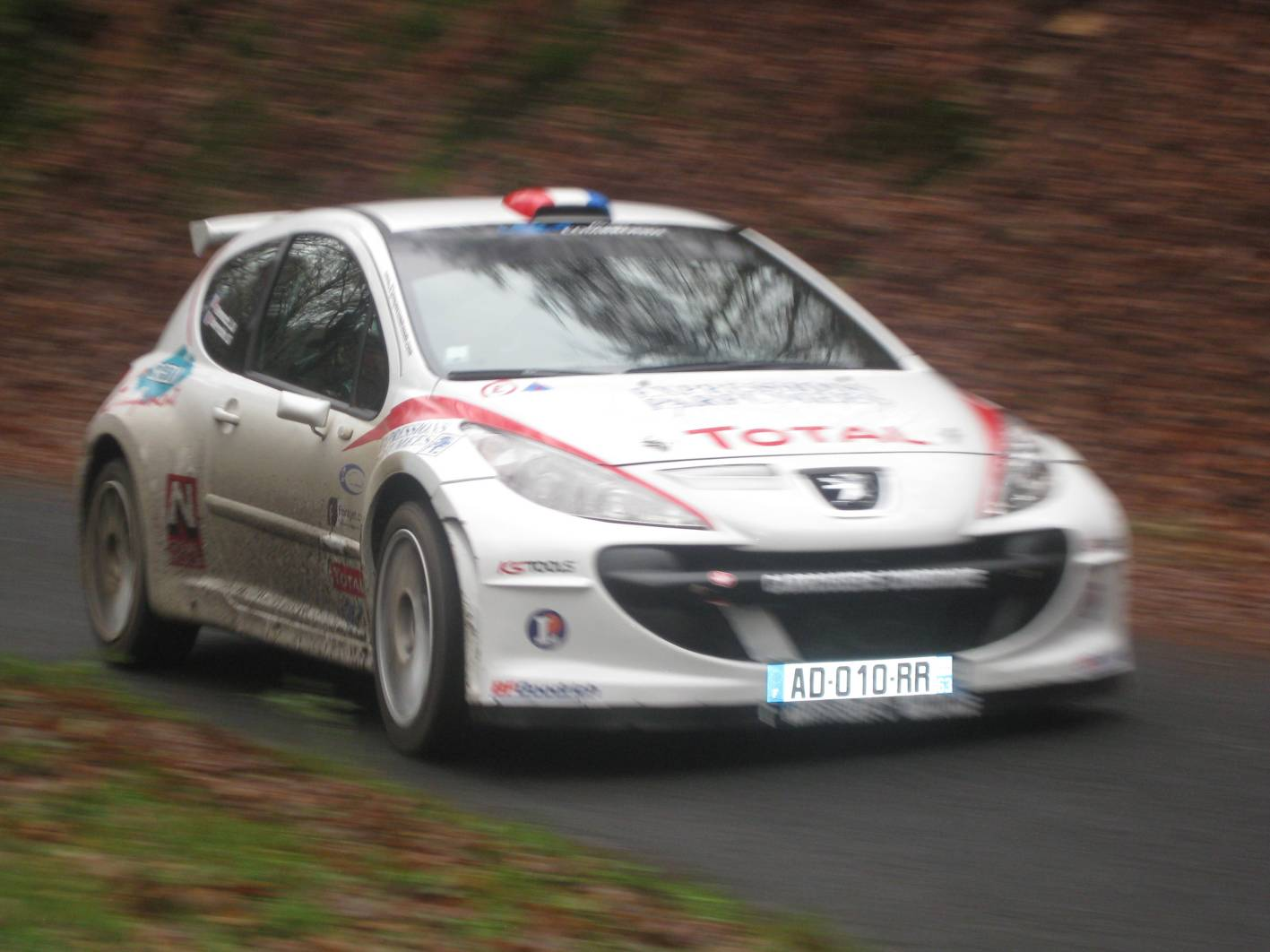 Promising Peugeot rally test for Evans