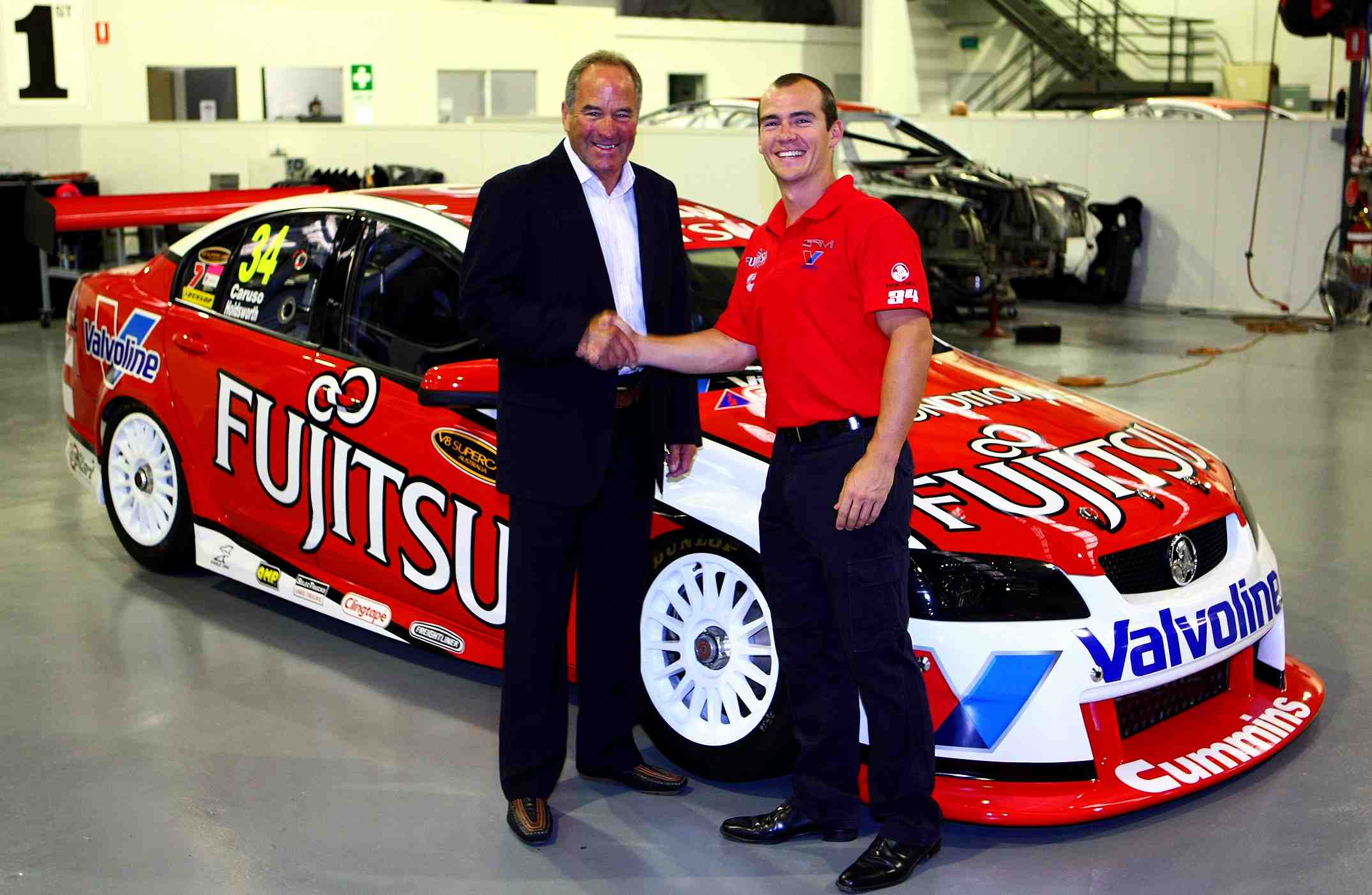 Holdsworth re-signs extra year on GRM deal