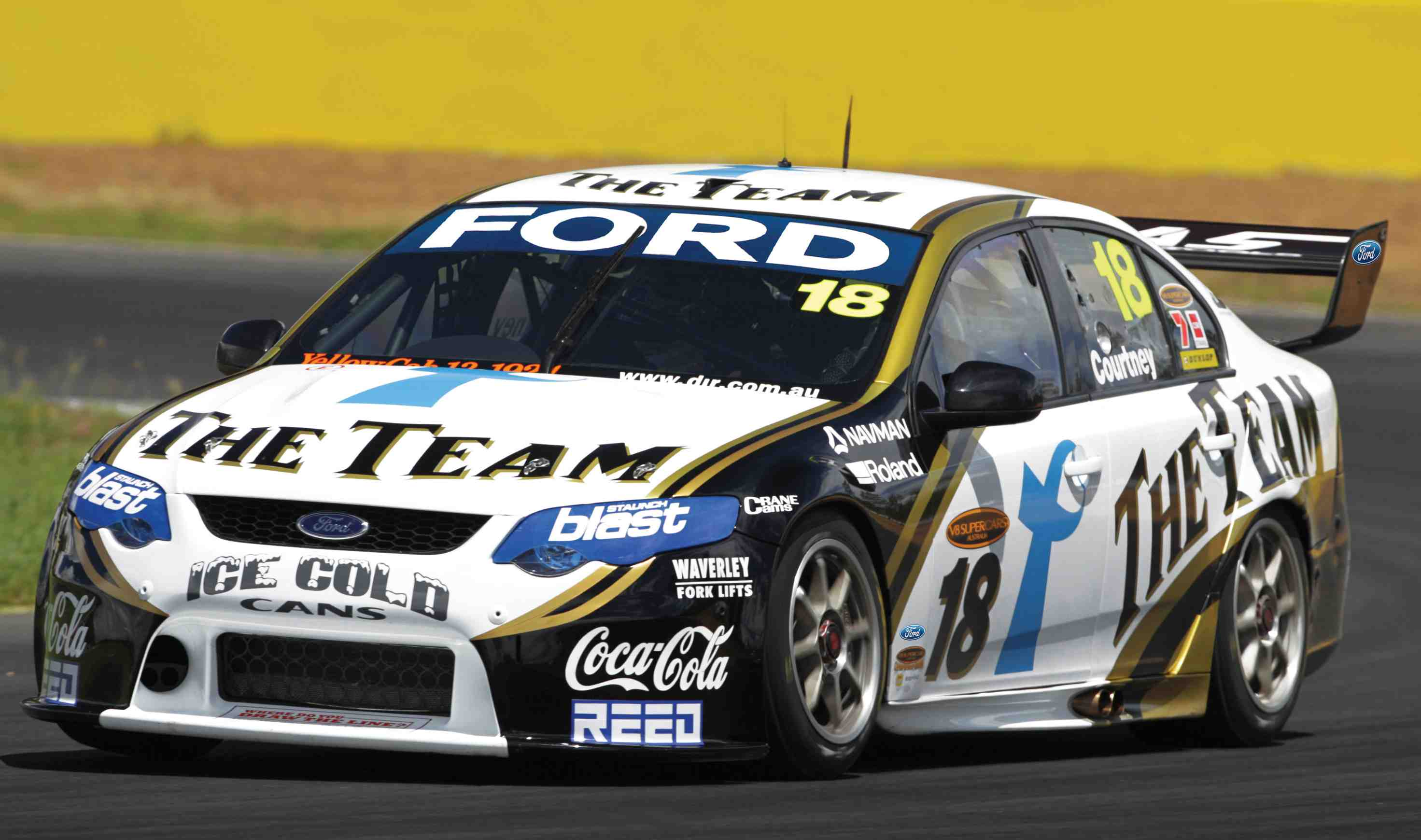 Courtney praises Ford Australia's vision