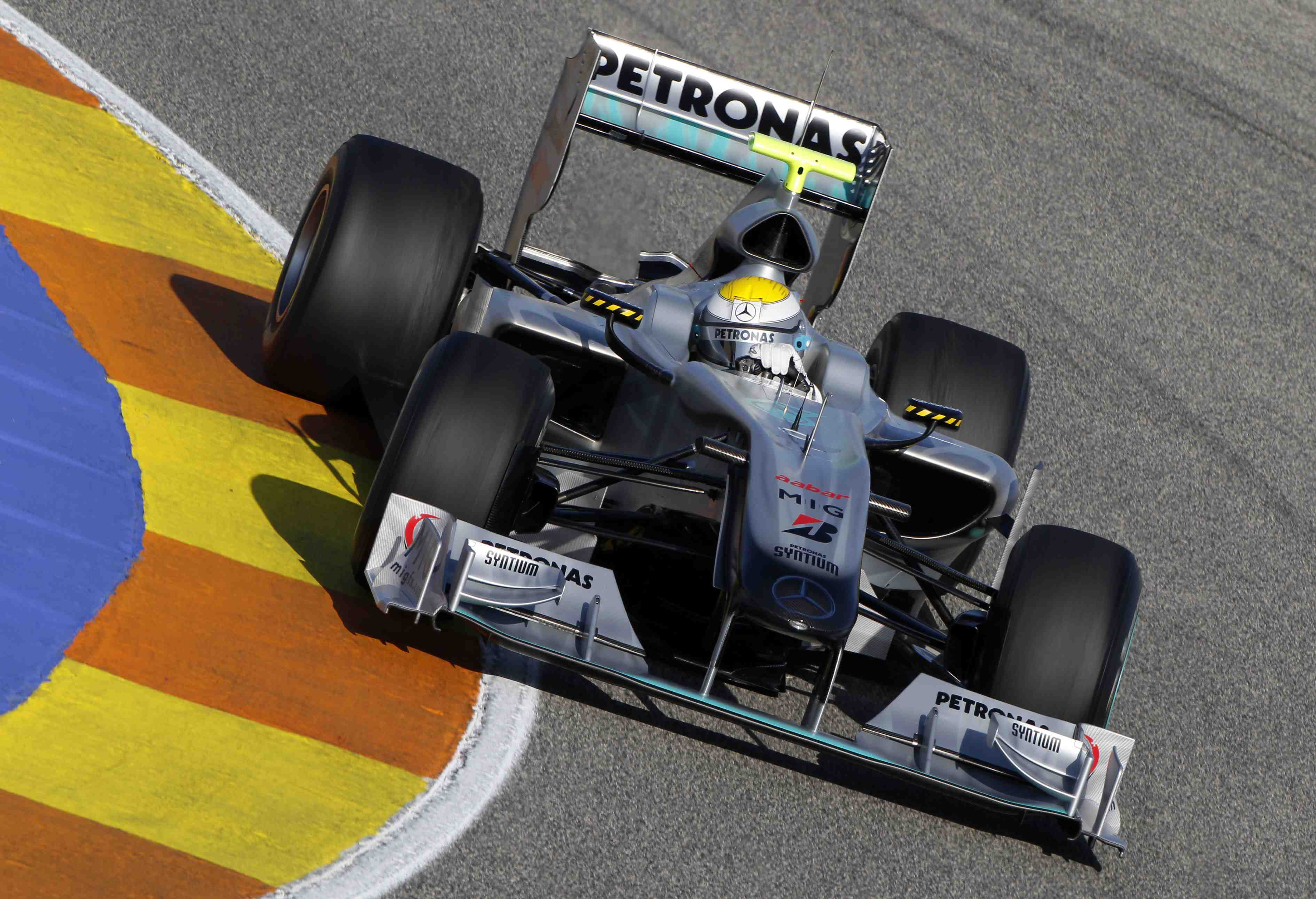 Heidfeld secures third driver role at Mercedes