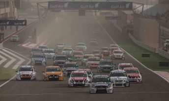 The start of Race 4 at the Bahrain International Circuit