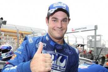 Shane van Gisbergen and SP Tools have re-signed with Stone Brothers Racing until the end of 2012