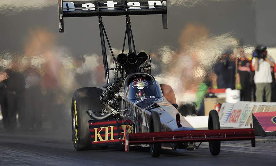 Larry Dixon collects Las Vegas NHRA jackpot