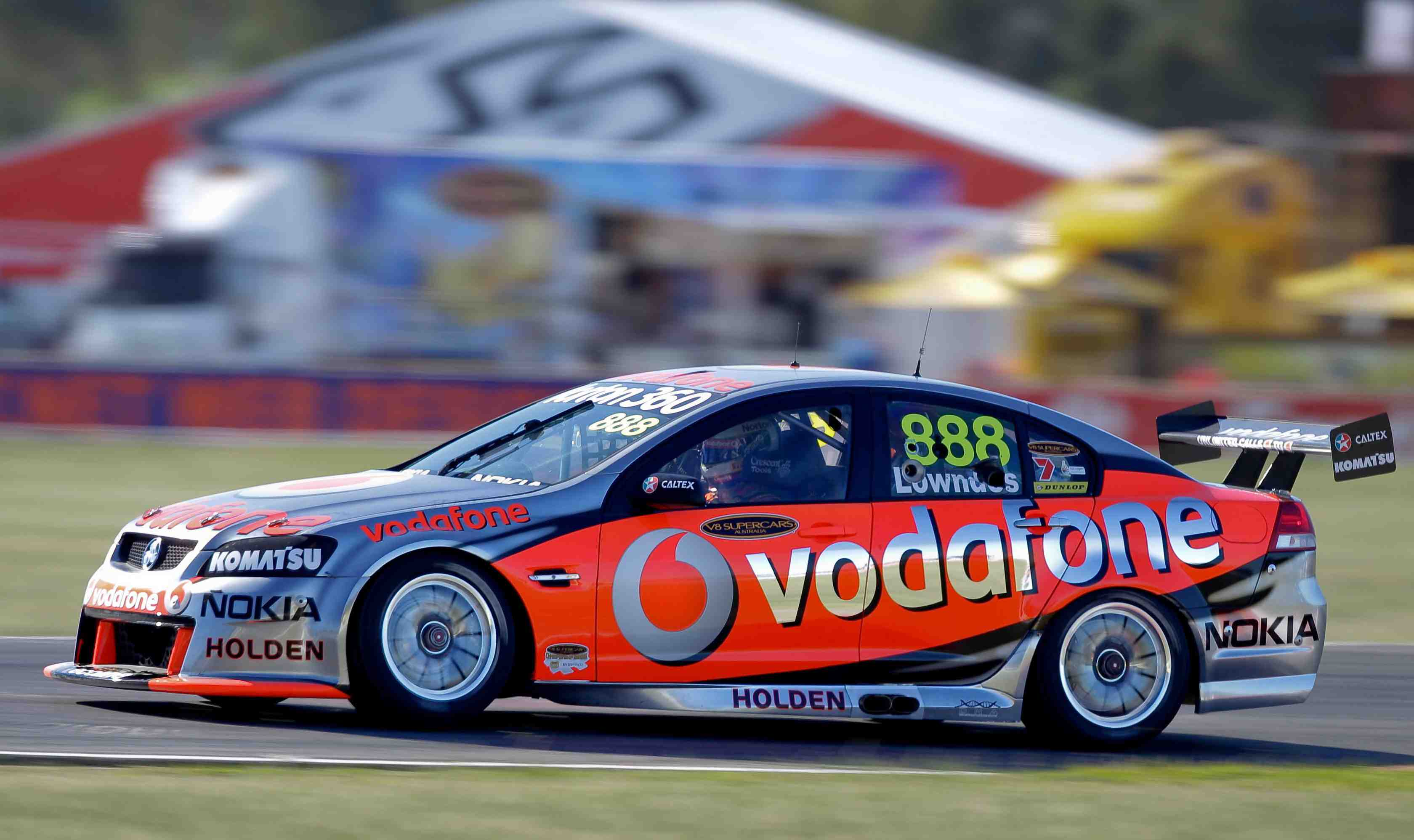 Lowndes full of confidence after V8 practice