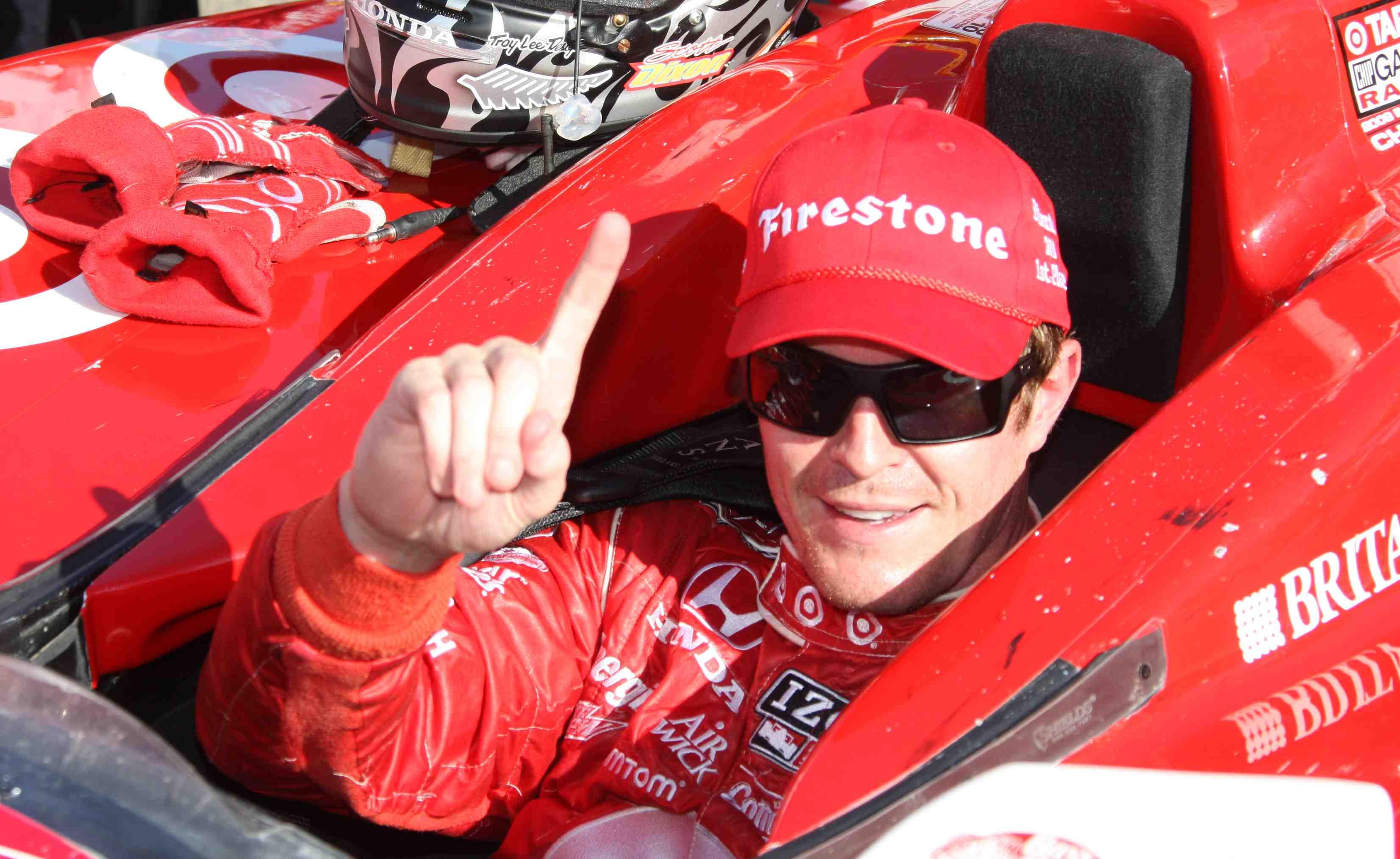 Dixon wins dramatic Edmonton IndyCar race