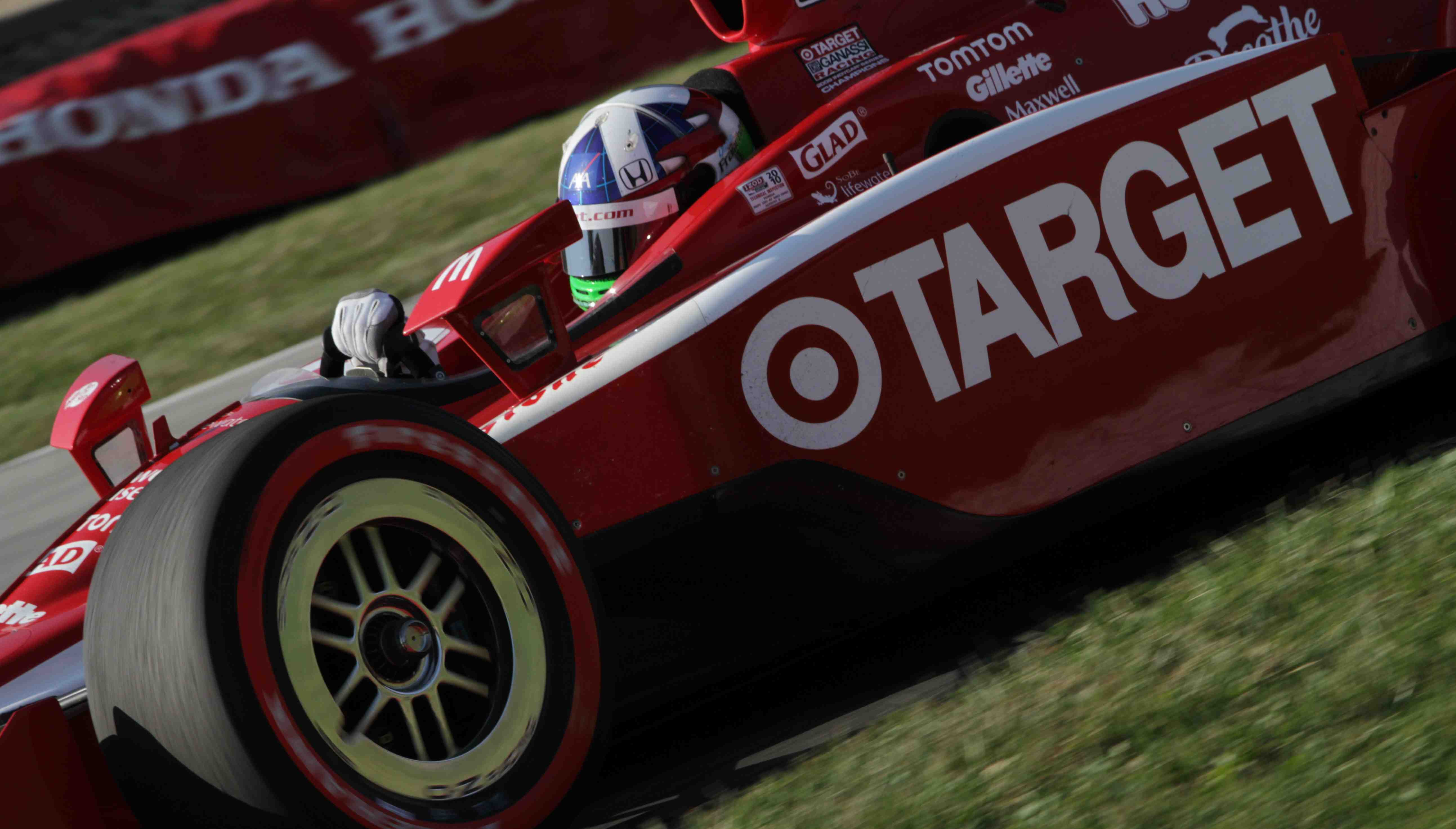 Franchitti closes in on Power's points lead