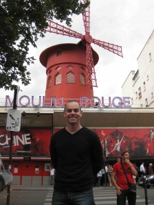 Lowndes out the front of the famous Moulin Rouge building