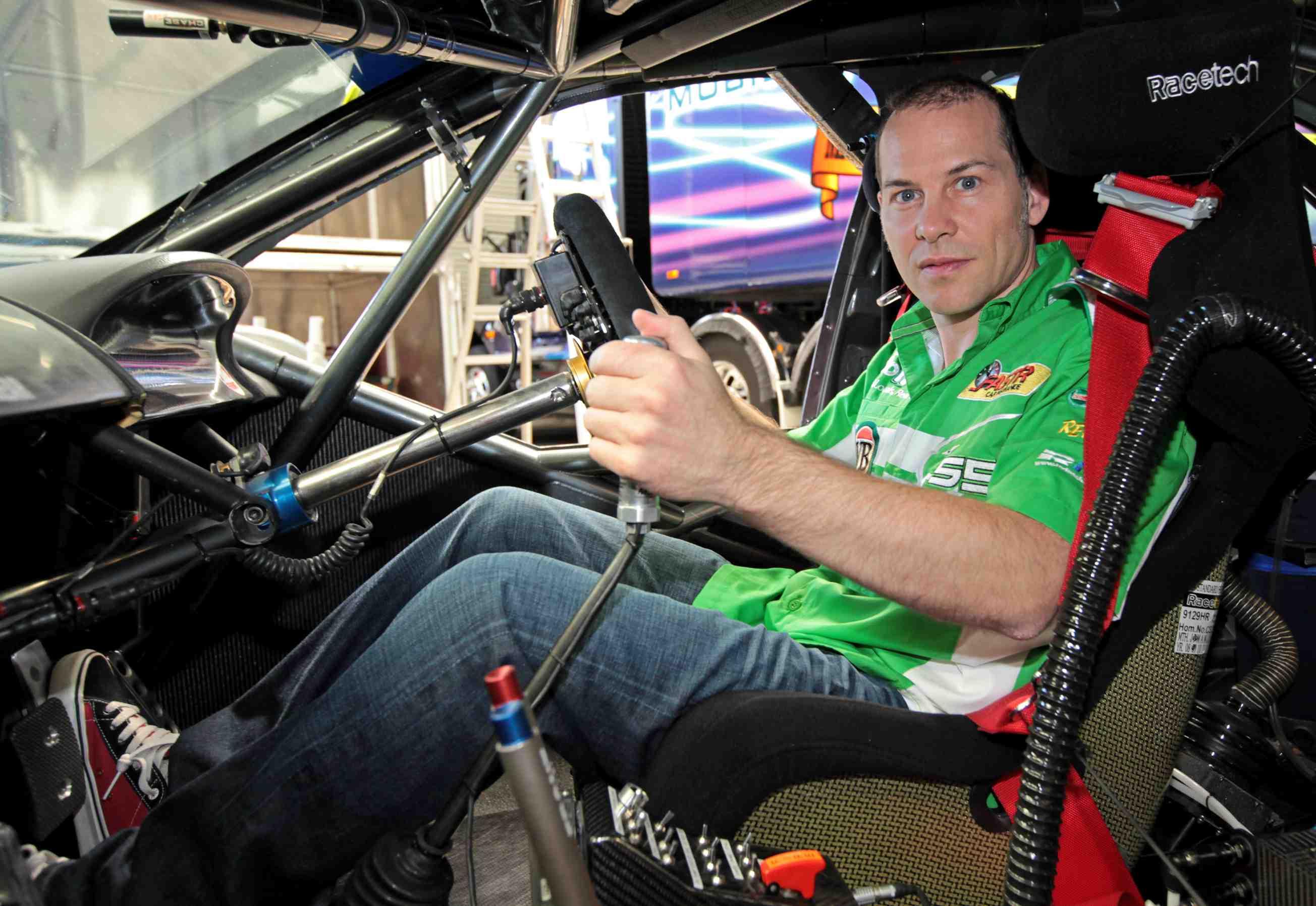 Villeneuve: Ambrose has given me V8 advice