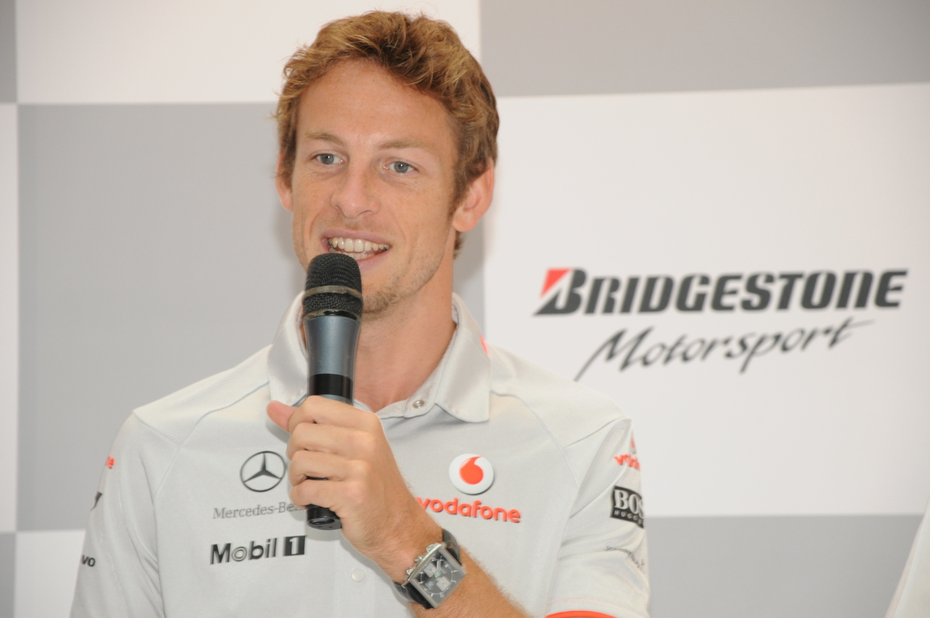 Jenson Button unhurt in armed incident