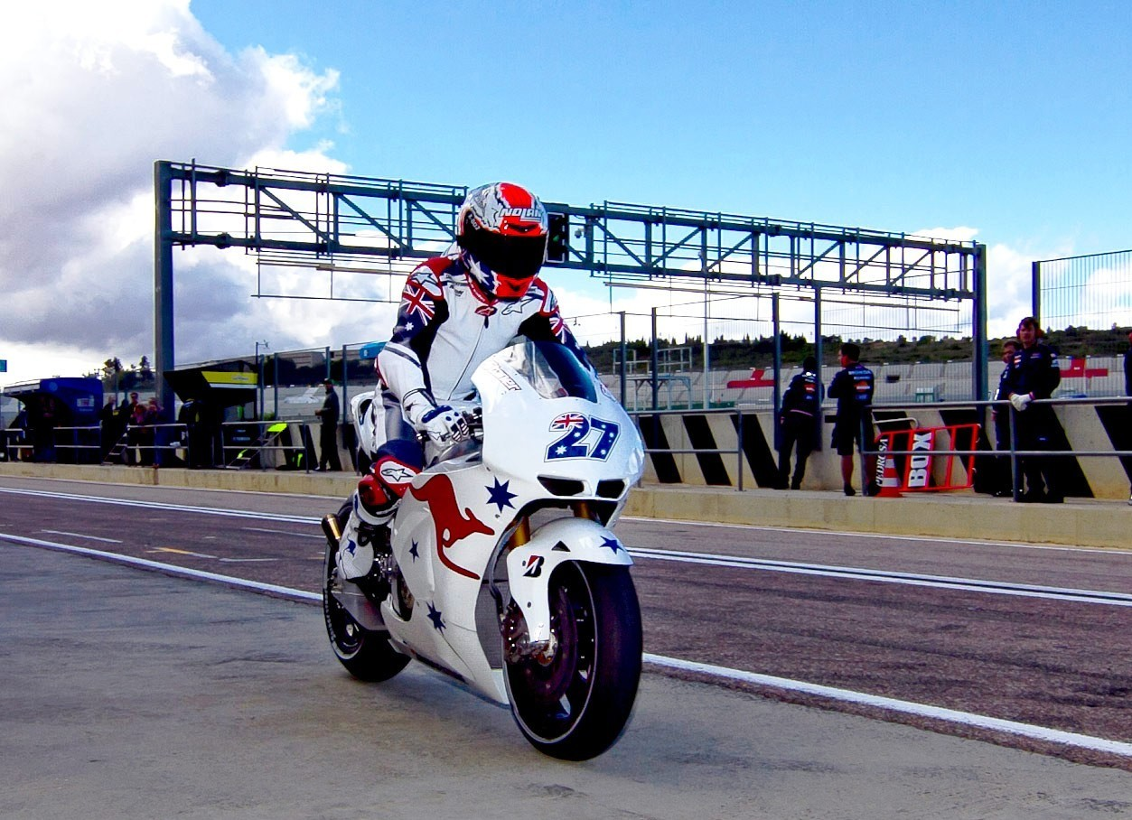Casey Stoner gets to grips with Honda