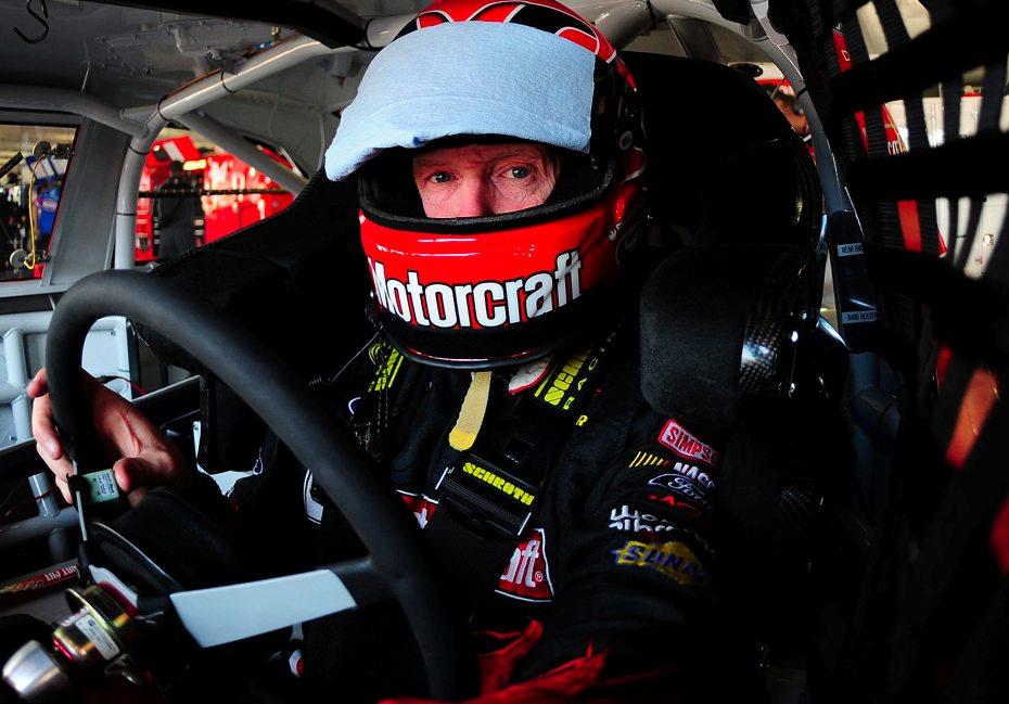 NASCAR legend to return in 2011