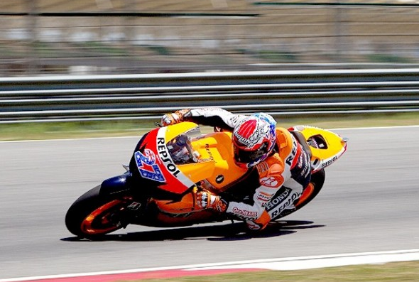 Casey Stoner sets the benchmark in Sepang