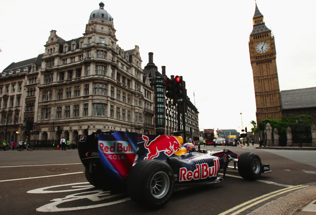 Webber to drive Bolte Bridge in Red Bull