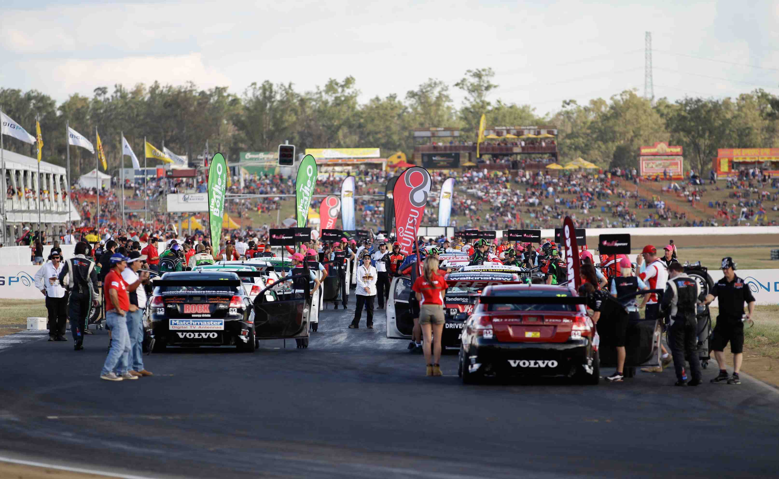 V8 Supercars secure new three-year QR deal
