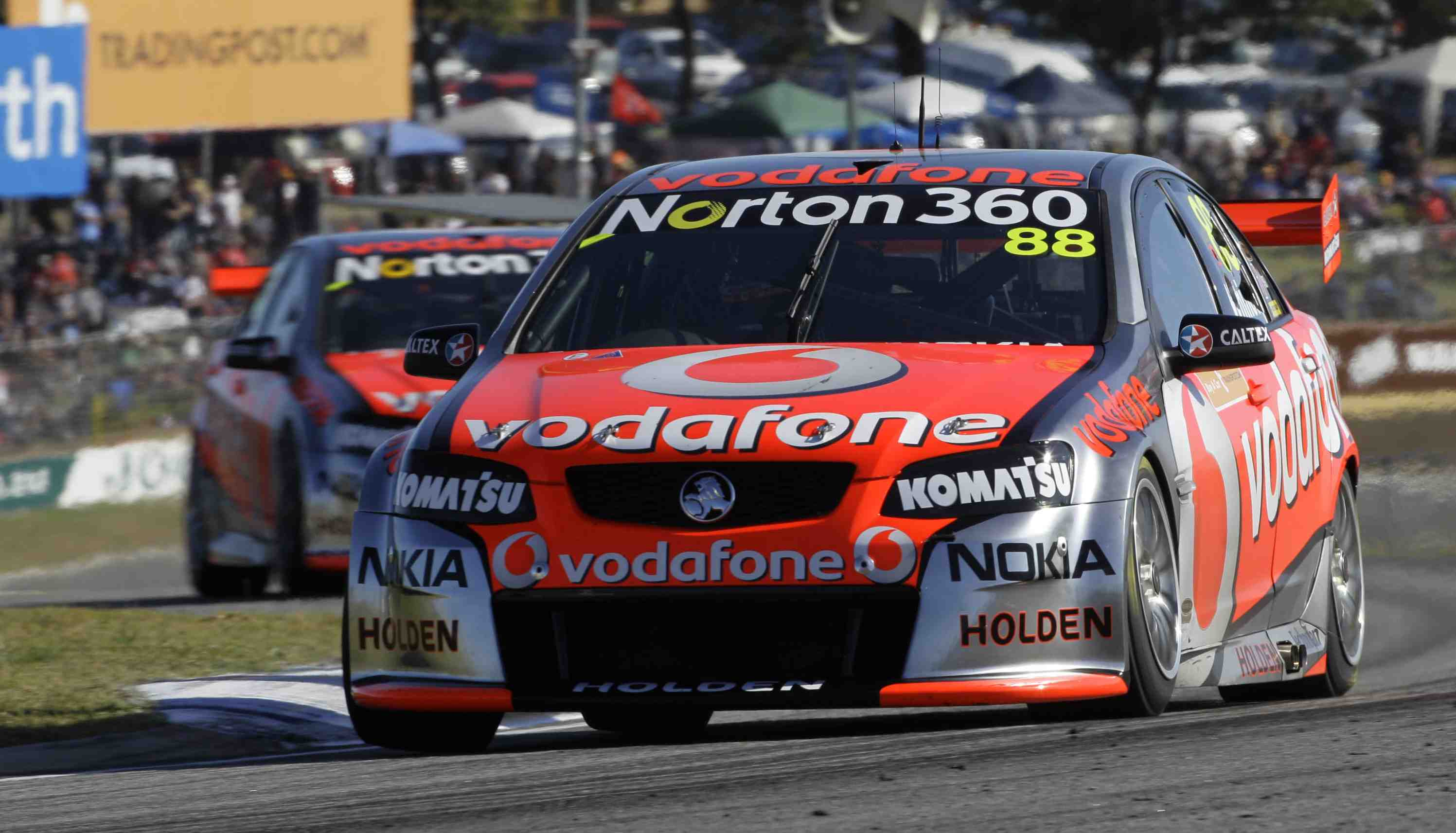 Jamie Whincup scores double Perth pole