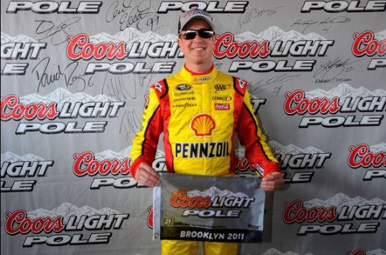 Kurt Busch takes third consecutive pole