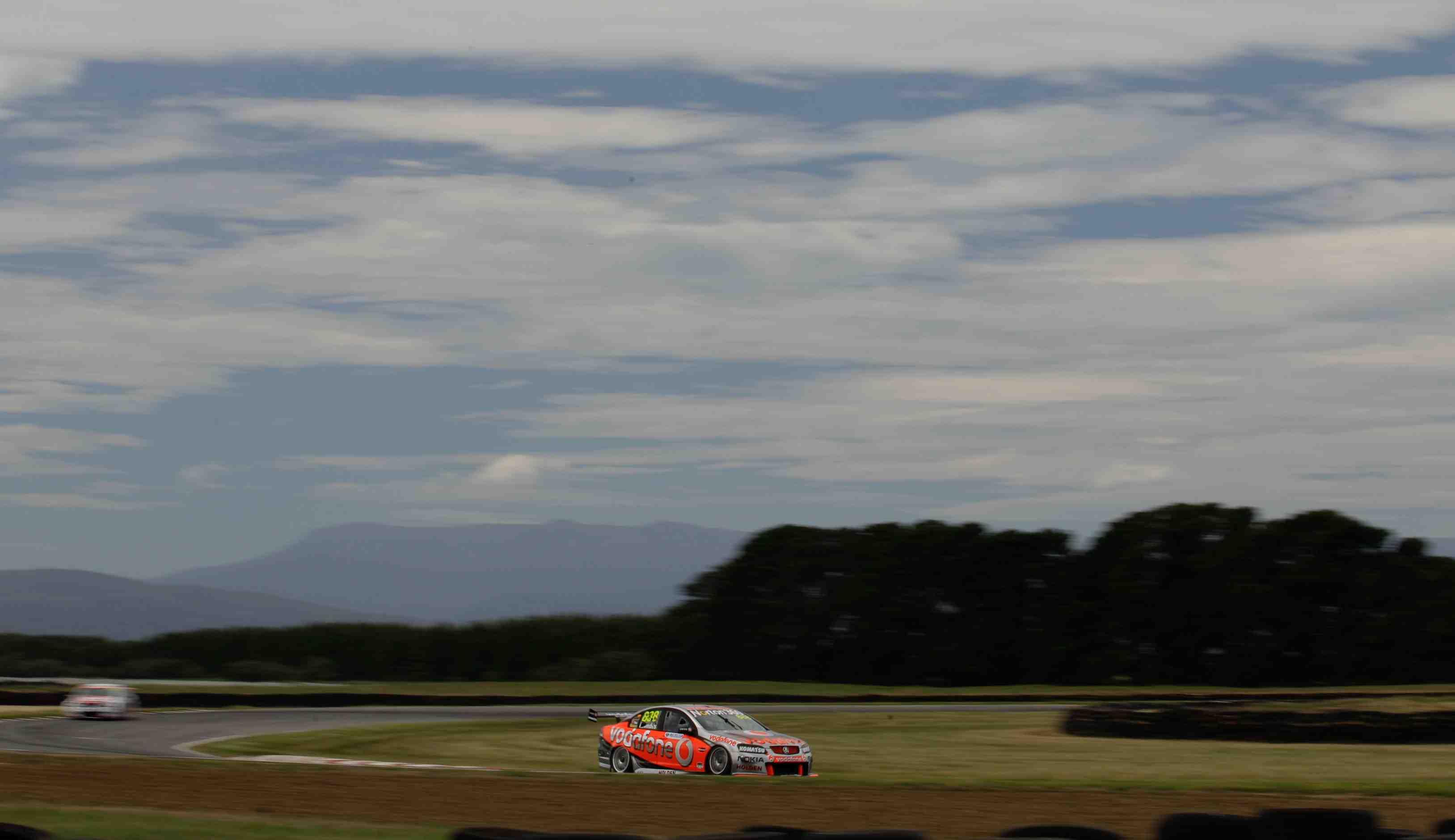 Tasmanian government drops V8 support