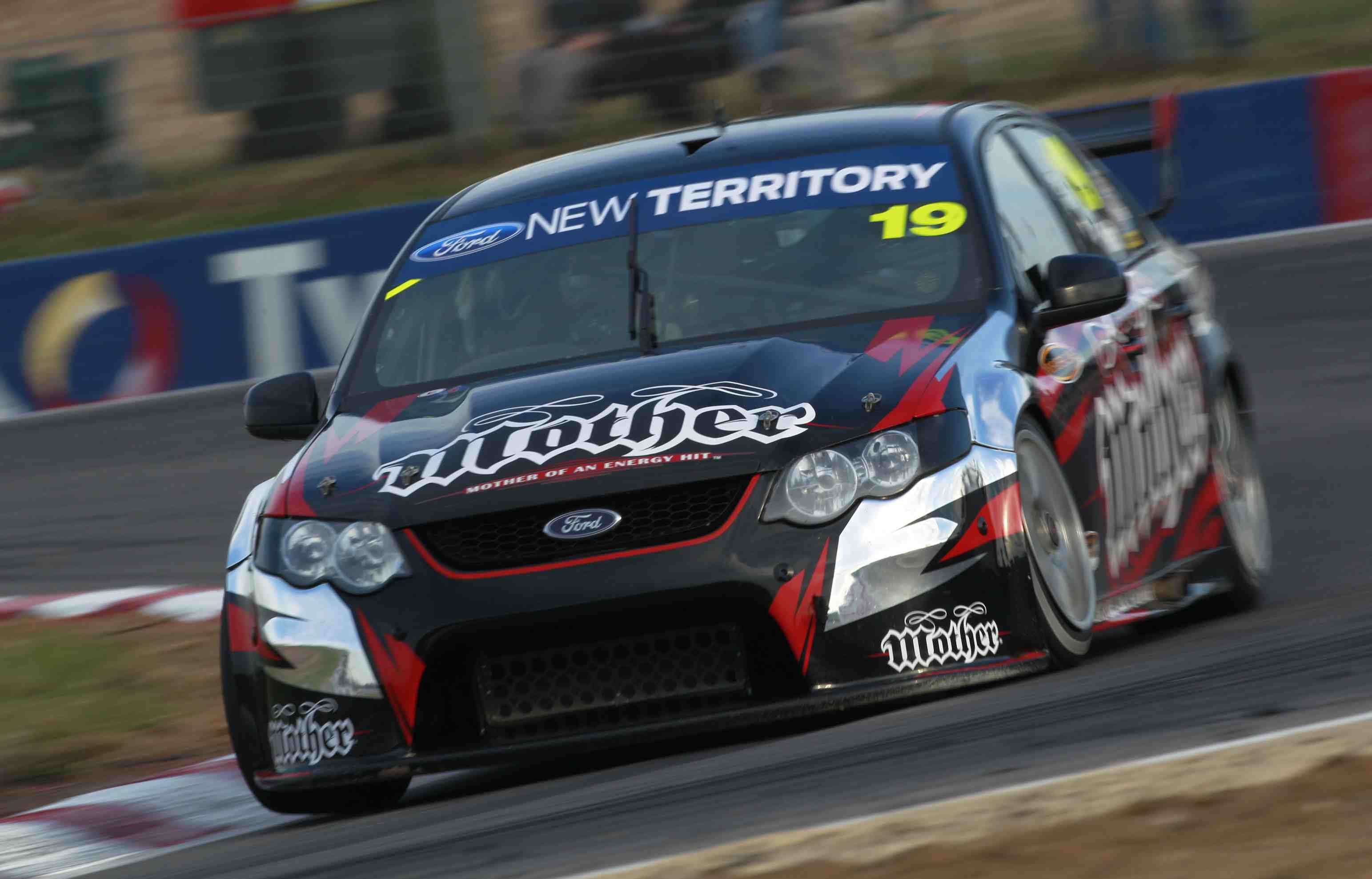 Richard Lyons to get Hidden Valley V8 laps