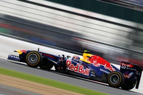 Webber tops Vettel for Silverstone pole