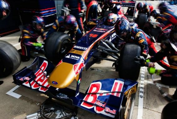 Toro Rosso undecided on 2012 line-up