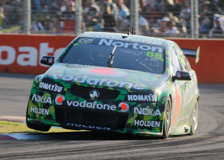 Whincup leads TeamVodafone 1-2 in Townsville