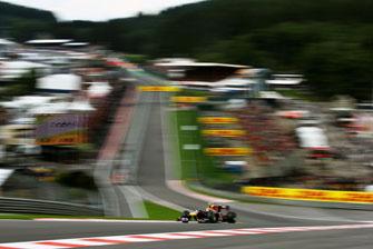 FIA bans use of DRS through Eau Rouge