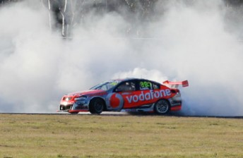 Lowndes takes second win at Queensland
