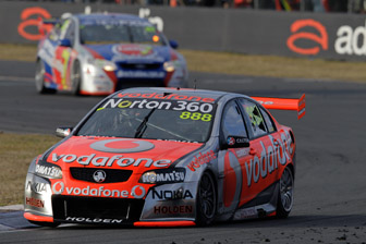 Lowndes completes dominant weekend with win
