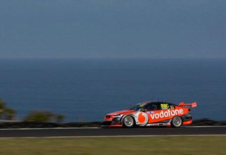 Whincup and Skaife set Practice 4 benchmark