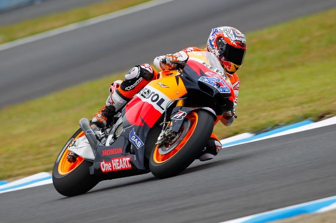 Casey Stoner on pole again in Japan