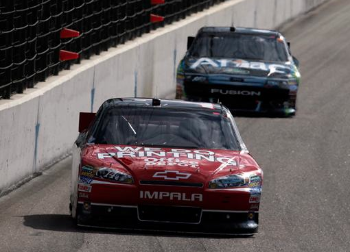 Stewart narrows gap to Edwards with win