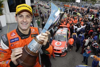 Whincup wins 2011 V8 Supercars Championship