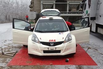 Honda rally team shakes down Jazz in Italy
