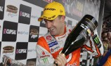 Whincup signs new multi-year deal with TeamVodafone
