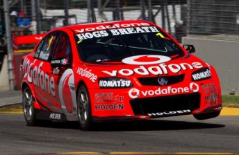 Whincup 344x224 Jamie Whincup takes pole as carnage continues