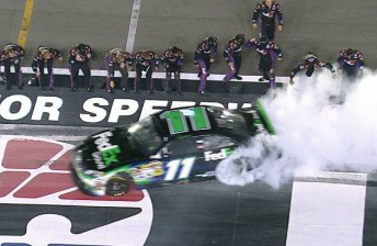 Hamlin edged  closer towards clinching a Chase spot with victory
