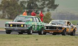 Tilley edges Bowe in thrilling Touring Car Masters races