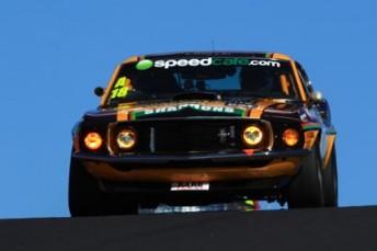 V8sevent11Bath012 00322 344x229 Bowe takes pole for Bathurst Touring Car Masters
