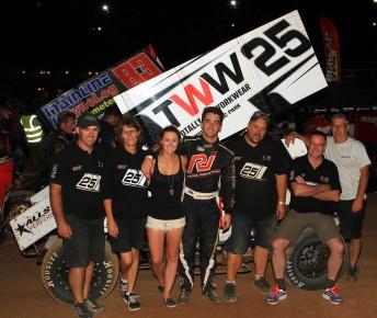 IMG 7975 344x290 James McFadden masters his second Australian Sprintcar Title