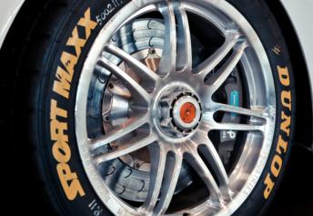 brakes2 344x237 Temporary V8 Supercars brake solution for Clipsal 500
