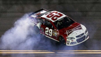 harvick win main 344x194 Commodore shape wins NASCAR curtain raiser