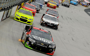 Kasey Kahne on his way to winning at Bristol