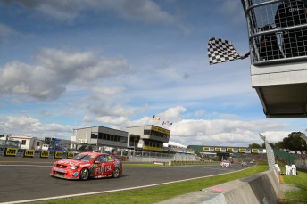 Scott McLaughlin shoots to his maiden V8SC Championship win at Pukekohe