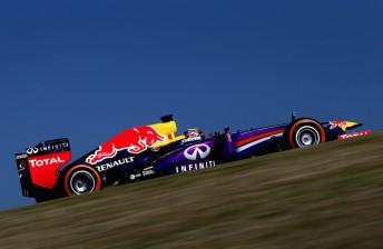 Vettel blazes to pole in Texas from Webber