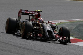 Pastor Maldonado tops the final day of the Barcelona test