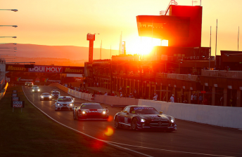 V8 Supercars poised to clash with Bathurst 12 Hour