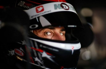 Coulthard tops tight opening Darwin practice